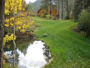 Remote, exclusive bed and breakfast nestled in the Santa Fe National Forest at the Gateway to the Pecos Wilderness only 30 minutes from downtown Santa Fe
